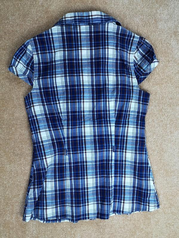 CLOCKHOUSE tamprūs krūtinę išryškinantys marškiniai moterims (L)
