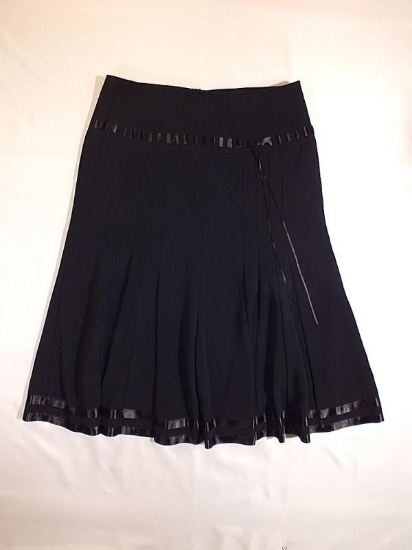 Juodas sijonas su pamušalu (XL-XXL)