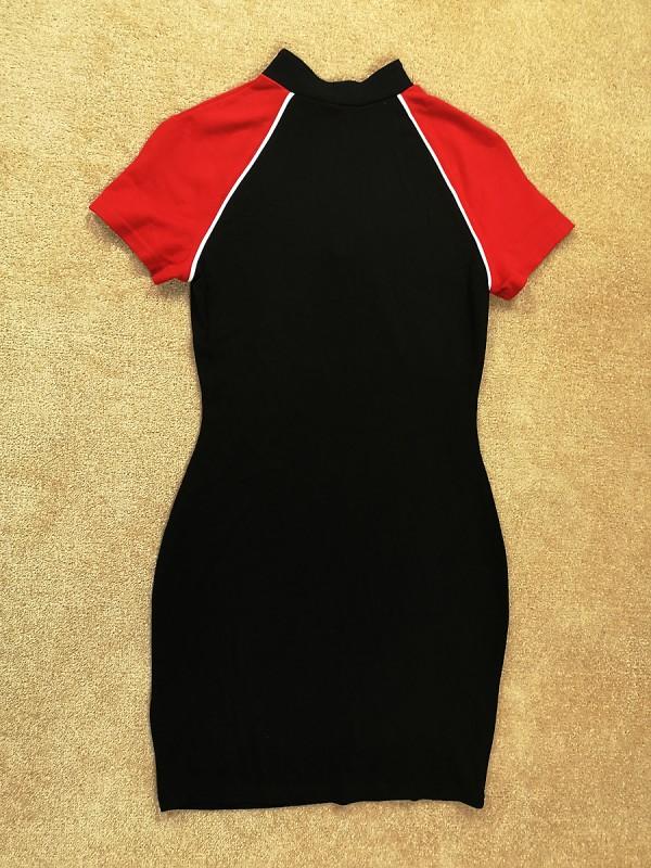 H&M DIVIDED tampri sportinio stiliaus suknelė (S - M)